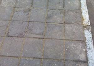 Плитка на пешеходной дорожке после проведенных работ