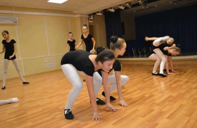Репетиция танцевального коллектива «Ультрамарин» дома культуры «Гармония»