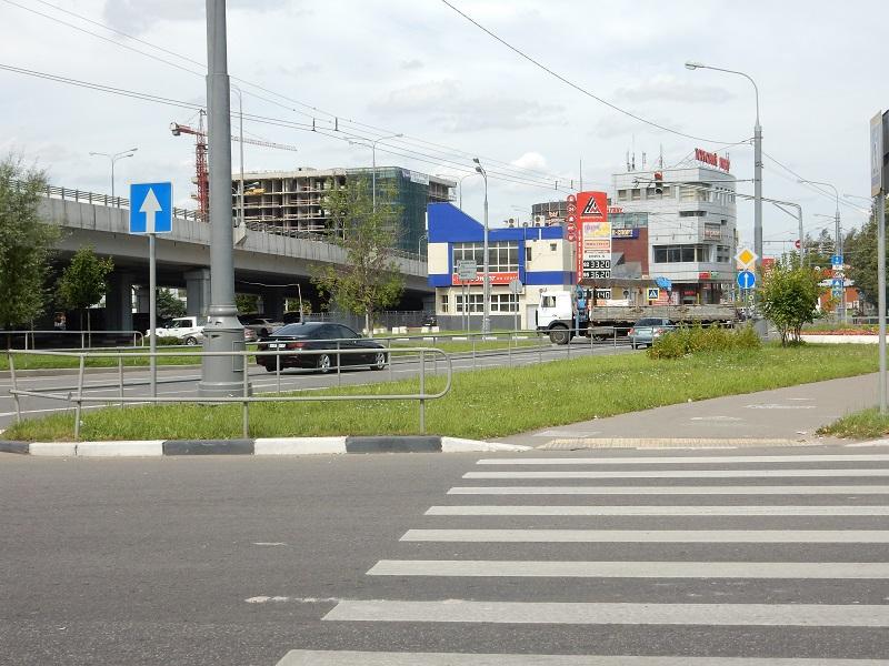 В столицеРФ начали обновлять дорожную разметку