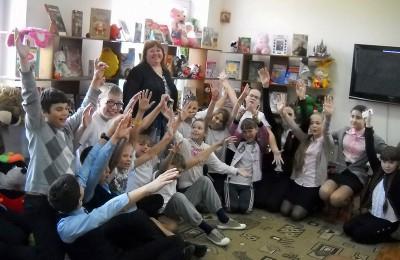 Детский литературный час организуют сотрудники библиотеки №143