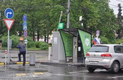 Правительство Москвы продлило срок действия резидентных разрешений на парковку с одного года до трех лет