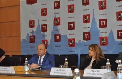 В Москве с начала года провели более 20 национальных праздников - Виталий Сучков