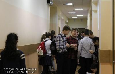 Акция «Волонтеры в помощь детям-сиротам» проходит в гимназии №1526
