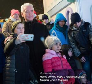 Сергей Собянин с юными москвичами