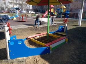 Пять детских площадок района привели в порядок