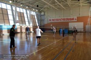 Спортсмены района отметят Международный женский день бадминтонным турниром