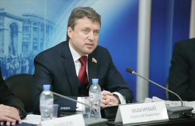 Заместитель председателя Комитета Госдумы по безопасности и противодействию коррупции Анатолий Выборный
