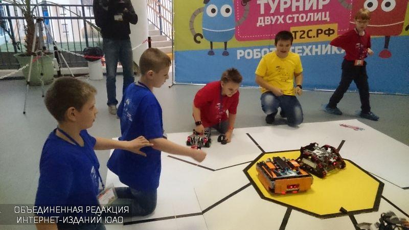 Школьники столицы  иПетербурга сразились натурнире поробототехнике