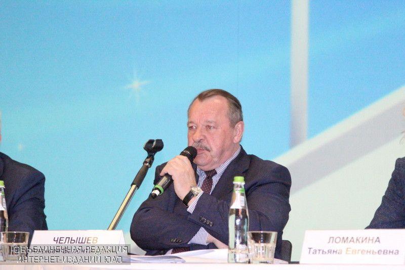 Вопросы реновации обсудил префект Алексей Челышев навстрече сжителями