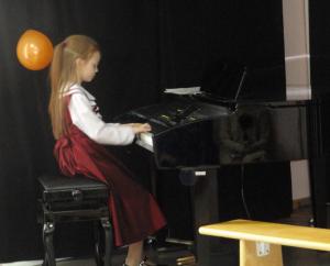 """Отчетный концерт студии в ДЮЦ """"Виктория"""""""