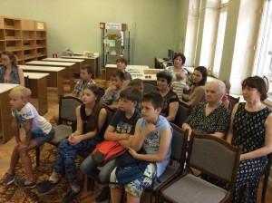 Слушатели лекции о крещении Руси