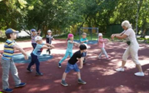 Танцевальный флешмоб в дошкольном отделении