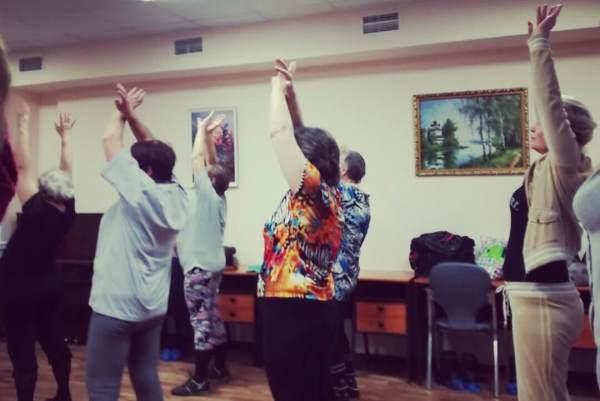 Занятия по танцам провели для пенсионеров Южного округа