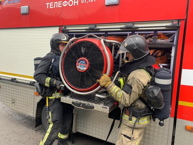 пожарно-тематическое учение на улице Подольских Курсантов 1