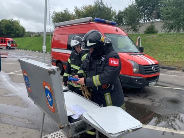 пожарно-тематическое учение на улице Подольских Курсантов