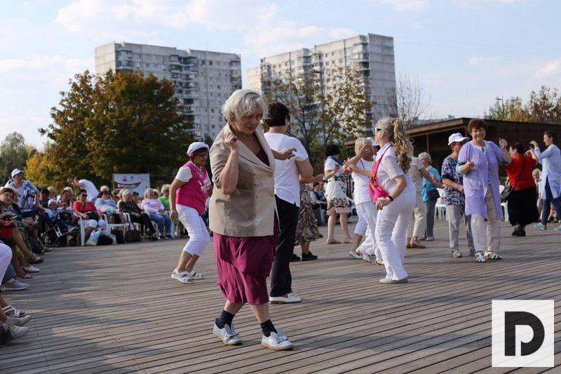 Московское долголетие парк садовники фестиваль социальных инициатив праздник