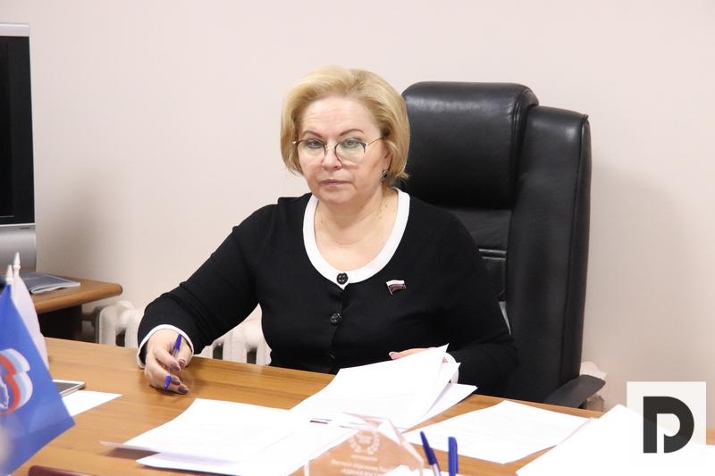 """""""Единая Россия"""", Госдума, любовь духанина"""
