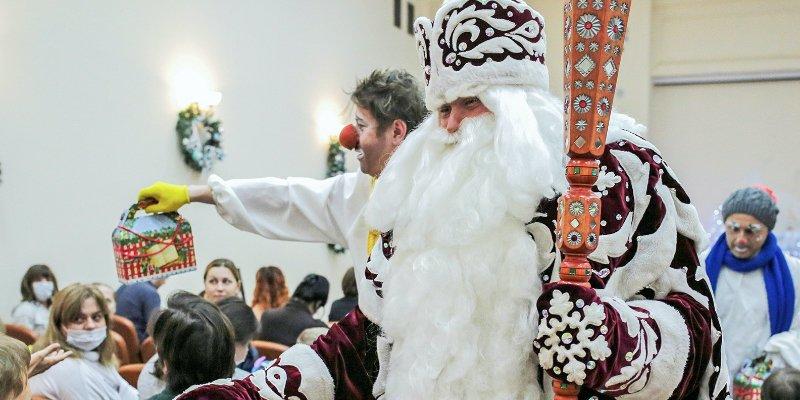 Добрая елка Мэра Москвы, Дед Мороз, Снегурочка, Новый год, Департамент здравоохранения города Москвы, ДЗМ, детские больницы